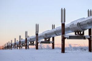 alaskan pipeline in winter